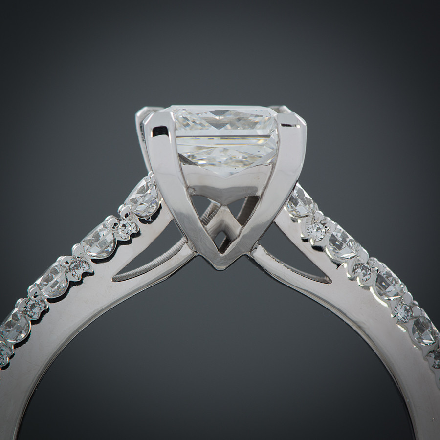 Ever Brilliant Princess Cut Engagement Ring Setting profil