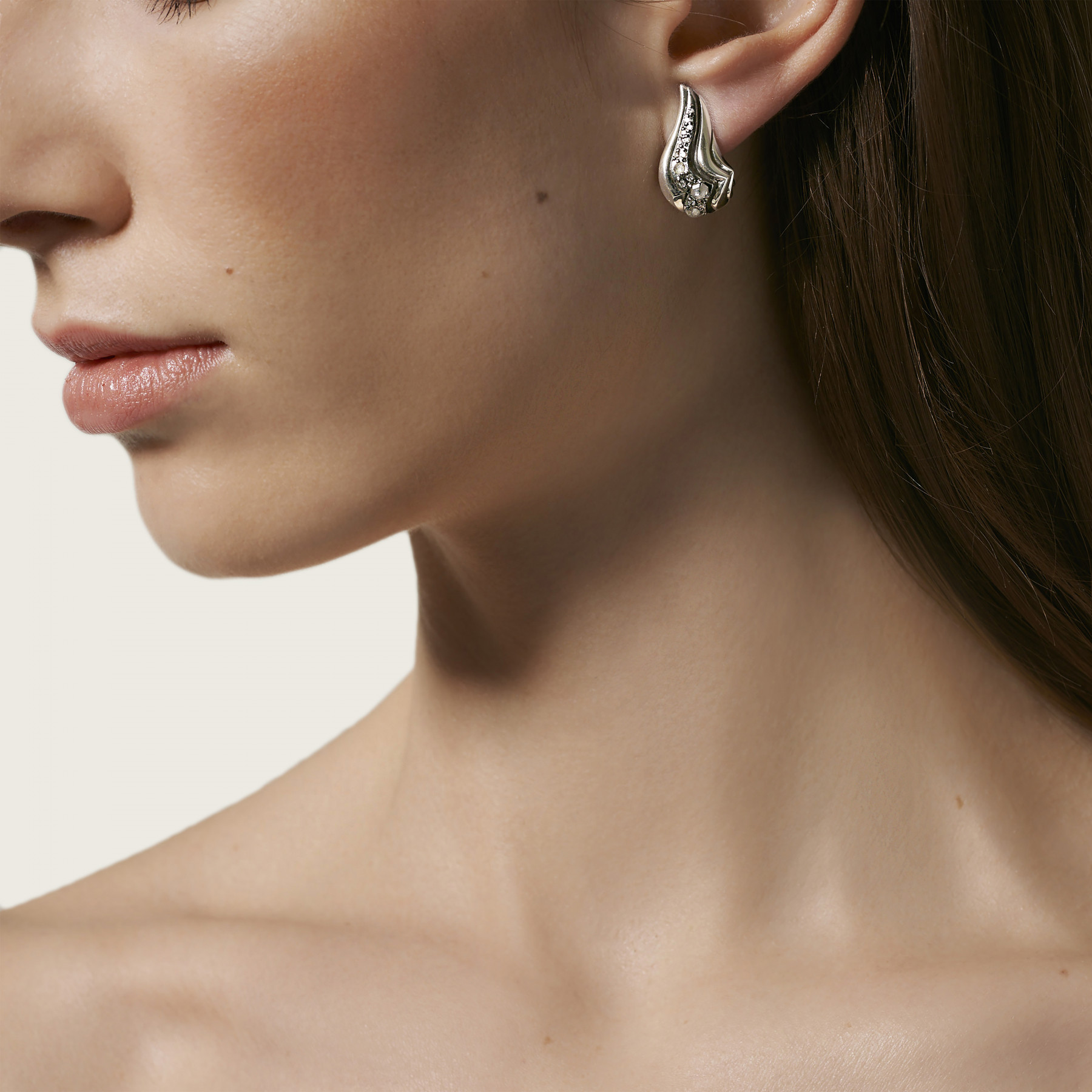 John Hardy Lahar White and Grey Diamond J-Hoops on model
