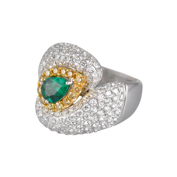 Emerald Cluster Ring Side View