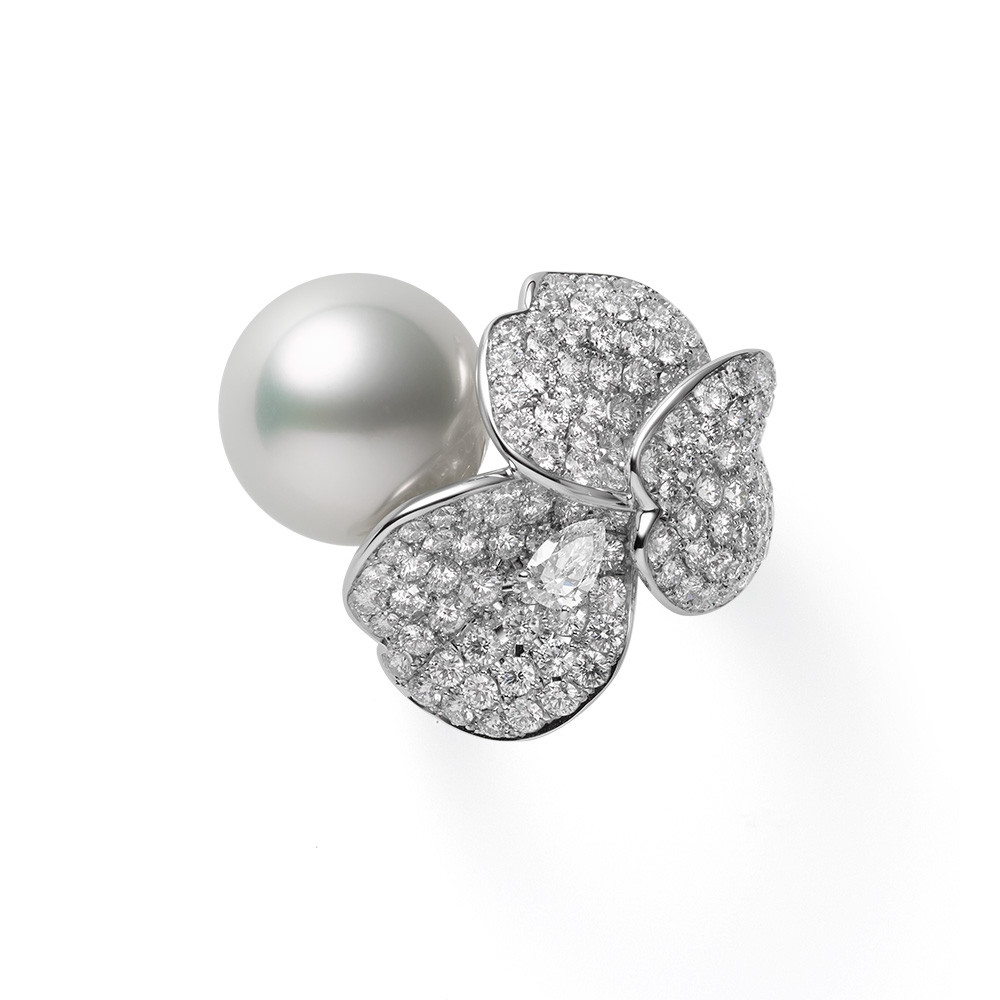 Mikimoto White Gold Les Petales Place Vendome Pearl & Diamond Ring