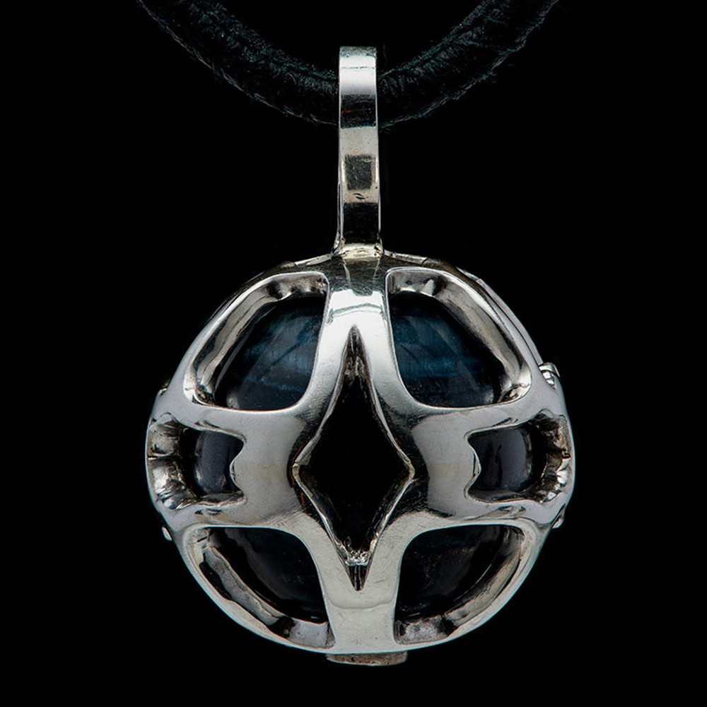 William Henry Dark Embrace Star Silver Blue Tiger's Eye Bead Pendant Necklace Back Close Up
