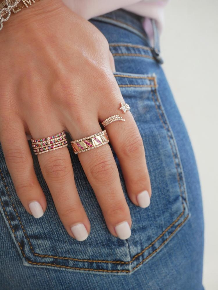 EF Collection Rainbow Slash Spinning Ring in Rose Gold on model