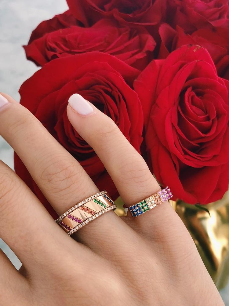 EF Collection Rainbow Chevron Spinning Ring in Rose Gold on model